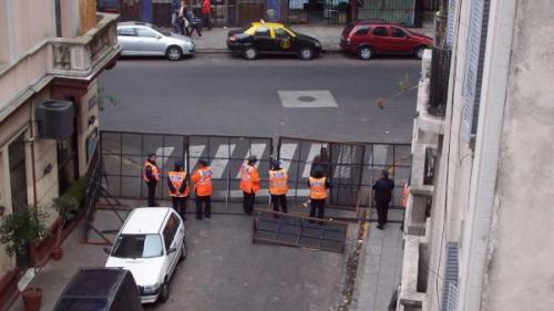Insólito operativo para proteger a Garré de una protesta contra la inseguridad